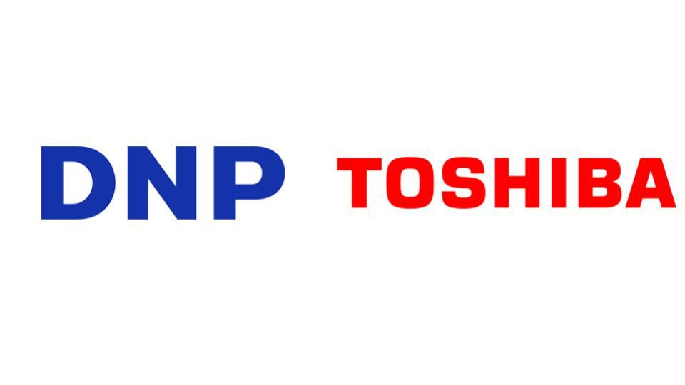 大日本印刷と東芝エレベータ、エレベーター内デジタルサイネージで事業提携
